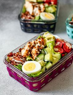 Easy Cobb Salad Meal Prep - All the Healthy Things Dairy Free Recipes Easy, Easy Whole 30 Recipes, Good Healthy Recipes, Healthy Fats, Healthy Eating, Gluten Free, Diet Salad Recipes, Chicken Salad Recipes, Jar Recipes