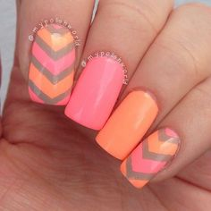 #nails #bright #chevron