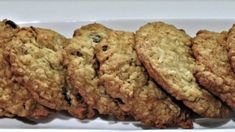 3 Ingredient Oatmeal Raisin Banana Cookies - At Home With My Honey - Trend Banana Chip Cookies 2019 Gluten Free Cookies, Yummy Cookies, Cookies Ingredients, 3 Ingredients, Walnut Cookies, Banana Chips, Dark Chocolate Chips, Raisin, Chip Cookies