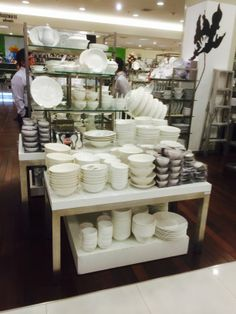 Central Department Store - Chit Lom - Bangkok - Home - Tables - Layout - Landscape - Visual Merchandising - www.clearretailgroup.eu