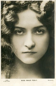 Maude Fealy March 1883 - 9 November was an American stage and film actress who appeared in nearly every film made by Cecil B. DeMille in the post silent film era. Vintage Pictures, Old Pictures, Vintage Images, Old Photos, Vintage Postcards, Foto Transfer, The Face, Old Portraits, Silent Film Stars