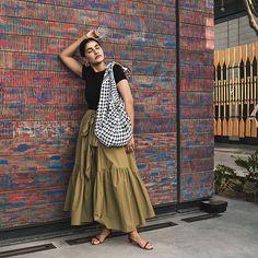 60e0b2709 12 Best Green skirt outfits images   Green skirt outfits, Green ...