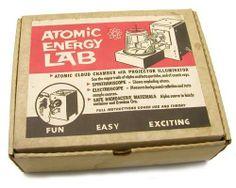 Atomic Cloud Chamber with Projector Illuminator