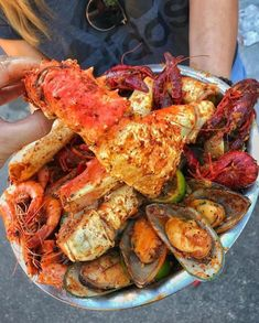 Discovered by lovelykseen. Find images and videos about food, yummy and delicious on We Heart It - the app to get lost in what you love. Seafood Boil Recipes, Boiled Food, Food Obsession, Seafood Dinner, Food Goals, Aesthetic Food, Food Cravings, I Love Food, Soul Food