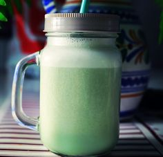 SMOOTHIE GREEN CON SPIRULINA   https://wwwreposteriabego.blogspot.com/2017/09/smoothie-verde.html