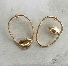 Gold Bar Stud earrings in Gold fill, short gold bar stud, gold fill bar post earrings, gold bar earring, minimalist jewelry - Fine Jewelry Ideas Cute Jewelry, Jewelry Box, Silver Jewelry, Jewelry Accessories, Jewelry Design, Jewelry Making, Silver Ring, Jewelry Ideas, Vintage Jewelry