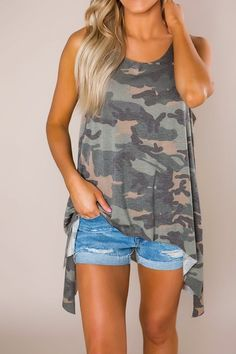 Super cute camo split hem tank with side slits & longer hem in the back. Made to have a relaxed fit, Jenna is shown wearing a small. Made of soft rayon/spandex fabric. Running Tank Tops, Yoga Tank Tops, Workout Tank Tops, Camo Tank Tops, Cropped Tank Top, Workout Wear, Cute Tops, Spandex Fabric, Girly Things