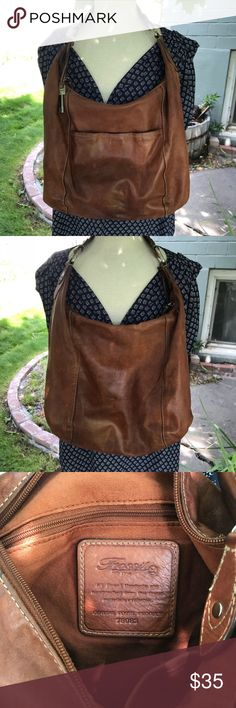 Fossil leather hobo bag Beautiful leather bag. 11x15x4 Fossil Bags Hobos
