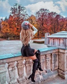 Most Popular Autumn Photography Girl Fairytale Fall Pictures, Fall Photos, Cute Pictures, Autumn Photography, Girl Photography, Travel Photography, Photography Ideas, Girl Inspiration, Autumn Inspiration
