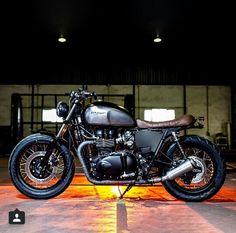 Triumph Bonneville T100.....I want one like this!!