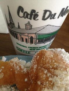 Cafe au lait and beignets from Cafe du Monde, NOLA French Quarter Beignets, Breakfast Items, Best Places To Eat, Louisiana, New Orleans, Delicious Desserts, Good Food, Crescent City, 8 Months