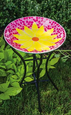 Colorful and cheerful daisy mosaic bird bath for your feathered friends