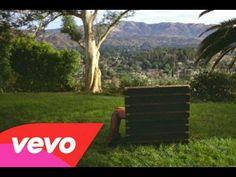 Rihanna - Bitch Better Have My Money (Explicit) (Short Version) - YouTube