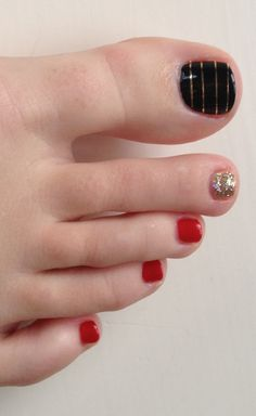 All red with a black ring toe maybe Red Nail Designs, Pedicure Designs, Toe Designs, Pedicure Ideas, Nail Ideas, Red Orange Nails, Red And White Nails, Black Toe Nails, Super Cute Nails
