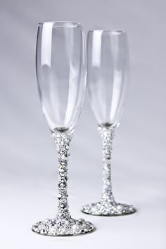 Swarovski crystal champagne glasses - handmade...i want to try this