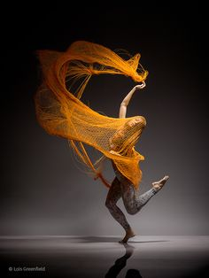 Available for sale from Galerie NuEdge, Lois Greenfield, Ha-Chi-Yu Archival pigment print, 46 × 34 in Dance Photos, Dance Pictures, Lois Greenfield, Photo Portrait, Dance Movement, Portraits, Create Image, Dance Art, Dance Photography