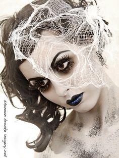 pin up mummy | Modern Mummy Make-up. | halloween