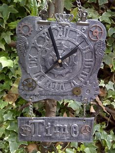 The Little Shabby Shed...metal clock