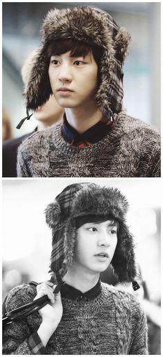 EXO Chanyeol with a fluffy hat ♥ Chanyeol Baekhyun, Exo K, Baekyeol, Chanbaek, Block B, K Pop, Kim Jong Dae, Kim Minseok, Exo Ot12