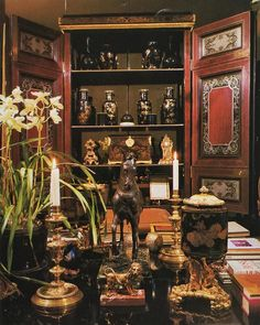 "🔺 John 🔺 Yunis 🔺 Hubert de Givenchy on the rue Fabert 1978, Part 3, Salon, detail: Be sure to zoom – everything is beautiful. According to the caption (which is not completely correct, as we will see): The imposing copper and shell decorated Boulle armoire in the salon displays a collection of Chinese mirror-black vases. Arranged on the table are a late-17th-century Italian bronze horse and mother-of-pearl-encrusted vases on bronze-doré mounts attributed to Bernini."" Of course, as we all…"