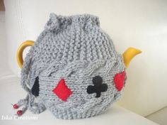 TeaPot Cozy, Knitted tea cosy, grey color, bridge game,