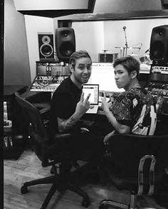 いいね!7,939件、コメント6件 ― ONE OK ROCK WORLDさん(@oneokrockworld)のInstagramアカウント: 「2016年5月、海外でリリースさたISSUESの「HEADSPACE」。国内盤は発売延期になっていたが、ついに3月29日に国内盤リリースが決定!…」