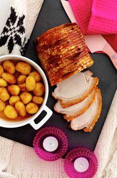 Flæskesteg med brunede kartofler