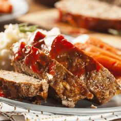 Cracker Barrel's Meatloaf Recipe is classic comfort food made with ground beef, onions, bell pepper, cheddar cheese, Ritz crackers and a sweet, savory glaze on top! Amish Meatloaf Recipe, Most Delicious Meatloaf Recipe, Meatloaf Recipe No Ketchup, Best Meatloaf, Meatloaf Recipes, Easy 1 Pound Meatloaf Recipe, Venison Recipes, Meat Recipes, Cooker Recipes