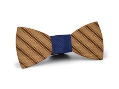 EXALLO | Handcrafted Wooden bow tie Laughing Gravy in Cherry wood.