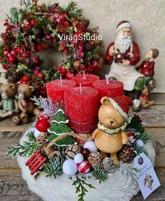 Christmas Door Decorations, Christmas Centerpieces, Christmas Lights, Christmas Time, Christmas Wreaths, Christmas Crafts, Xmas, Christmas Ornaments, Holiday Decor