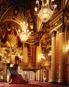 Los Angeles Theater.  Beautiful!!