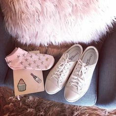 """Loving our new season @frankie4footwear and oh so comfortable #BlushPinkVibes #Frankie4Footwear…"""""""