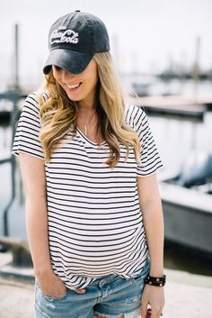 4 wardrobe essentials you need for summer! There are a few basic necessities that every wardrobe needs and this blogger shows and tells you exactly what you need for your summer wardrobe this year!