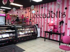 Coccadotts Cake Shop - Myrtle Beach, as seen on Cupcake Wars Cupcake Shops, Cupcake Bakery, Cupcake Wars, Bakery Decor, Bakery Interior, Cake Shop Interior, Bakery Display, Bakery Shop Design, Store Design