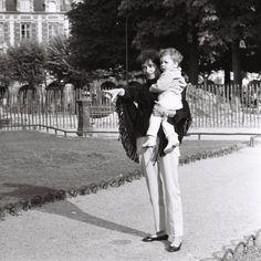 """Les plus belles photos de la """"Dame en noir"""", une artiste (auteur-compositeur) hors normes, irremplaçable et unique. Une grande Dame de la Chanson Française."""