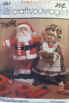 Simplicity 7067 Mr. and Mrs. Santa Claus Soft Sculptured Dolls