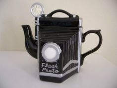 Camera Teapot/Figurine/Seymour Mann's High Tea Collectible/FLASH PHOTO/Orig Box | the Teapots Collectionary