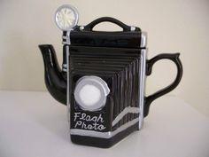 Camera Teapot/Figurine/Seymour Mann's High Tea Collectible/FLASH PHOTO/Orig Box | the Teapots Collectionary