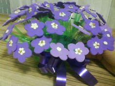 blog iris medeiros: Lembrança Dia das Mães: Flores de e.v.a. e garrafa pet