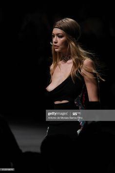 Gigi Hadid Nude, Gigi Hadid Walk, Salma Hayek Body, Fashion Oops, Gigi Hadid Outfits, Celebs, Celebrities, Beauty, Carnival