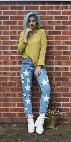 Check out this 'Star Print Boyfriend Jeans mid blue' sold by Sophie Hannah Richardson via Sophie Hannah Richardson, Cher, Star Print, Boyfriend Jeans, Muse, Street Style, Style Inspiration, Clothes For Women, Denim