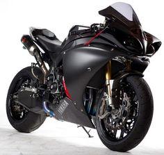 Yamaha R-1 Black