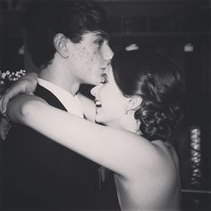 Prom pictures (: