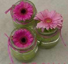 Ziet er leuk uit, en eenvoudig te maken! Diy Flowers, Flower Vases, Fresh Flowers, Flower Decorations, Beautiful Flowers, Purple Flowers, Country Flower Arrangements, Beautiful Flower Arrangements, Floral Arrangements
