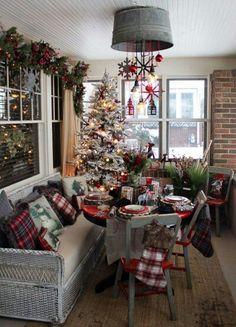 I love Christmas! Cozy Christmas, Christmas Plaid Decorations, Christmas Table Set Up, Christmas Chandelier Decor, Christmas Ceiling Decorations, Porch Christmas Tree, Christmas House Lights, Small Christmas Trees, Tartan Christmas