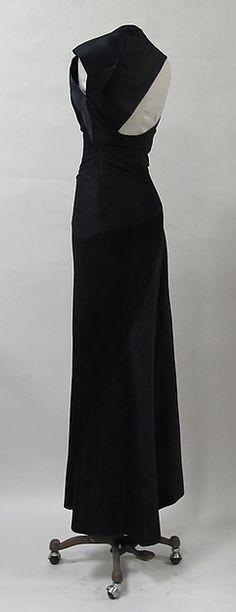 Evening dress Designer:Charles James (American, born Great Britain, 1906–1978) Date:ca. 1944 Culture:American Medium:silk