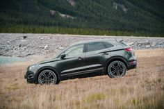 Going on an impromptu hike? That's no challenge in the With available intelligent AWD, sensors are constantly monitoring traction in order to enhance handling and help your tires get a better grip (No promises for those hiking boots, though). Lincoln Mkc, Lincoln Aviator, Nautilus, Good Grips, Pickup Trucks, Hiking Boots, Road Trip, Cars, Personality