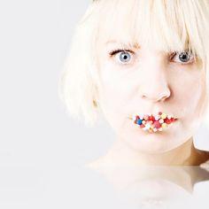 Tracey Pepper / Writer & Media Coach » Sia