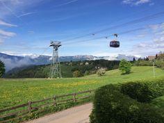 Einmal Südtirol und zurück, bitte! Mit der Seilbahn von Bozen hinauf zum Ritten nach Oberbozen.   #Südtirol #Bozen #Reise #Familienurlaub