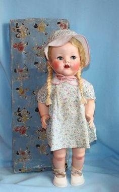 Series Pedigree Delite Walker Doll in Original Box. Old Dolls, Antique Dolls, Vintage Dolls, Doll Toys, Baby Dolls, Plastic Doll, Assemblage Art, Hello Dolly, Beautiful Dolls